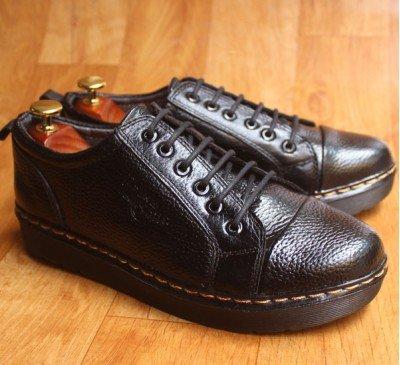 Giày da kiểu dáng Dr Martens đế kếp màu đen